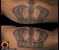 King crown that I tattooed the other day #Florida #tattoosafterdark #justintatoo #blackandgrey #crown #tattooedguys #tattoo #stpete